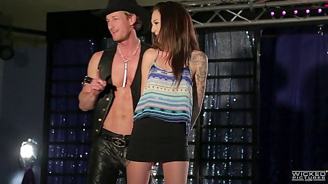 Skinny fully clothed parody scene Jessa Rhodes and Amirah Adara
