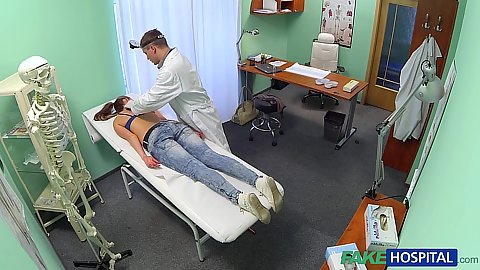 Hidden camera Jenny  lays down for doctor massaging exame