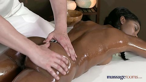 Ebony cutie Jasmine Webb having nice oil massage