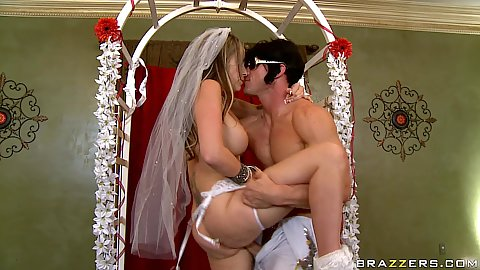 Newly to be bride fucks her elvis priest at the alter