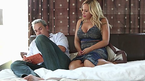Blonde milf Olivia Austin spreading her legs for man