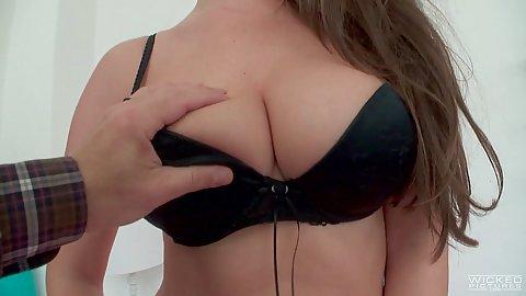 Nice looking euro miss Kendra Star strips naked