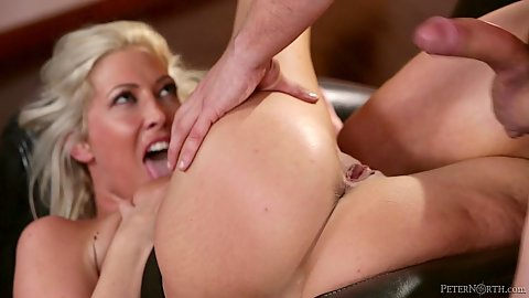 Milf mom just on the rebound getting laid Lexi Lowe