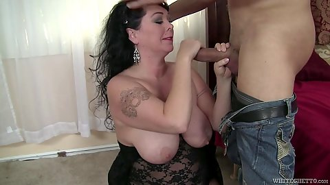 Lively mature chubby Alexis Couture giving head