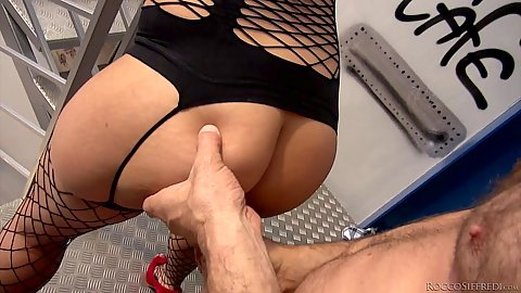 Ass grabbing and other standing fuck bonanza with Akasha Cullen and s1