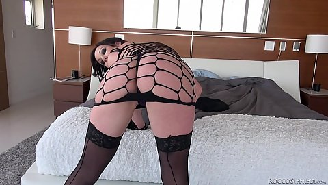 Fishnet showing college chick Jennifer White