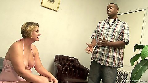 Mature mom Vanilla Sky comes in for a fuck