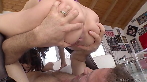 Threesome sluts face sitting and anal ass to mouth Cassandra Nix an dTiffany Tyler