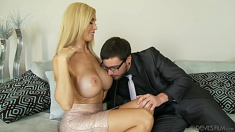 Really big boobies milf Evita Pozzi fuck ya