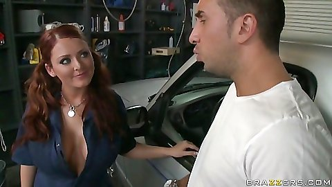 Sophie Dee is a care repair chick