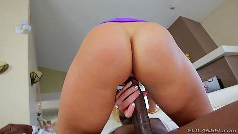 Huge black cock and a white whore Candice Dare