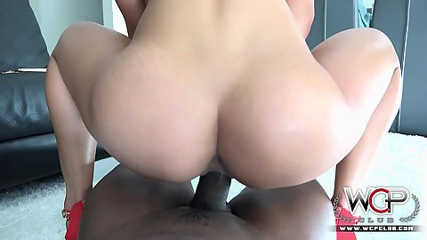 Reverse cowgirl nice shaped ass pussy fuck with Teanna Trump in pov