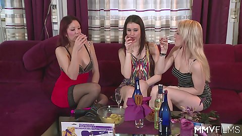 Attractive horny lesbians Bebiii Kitty and Natalie Hot with Arianna