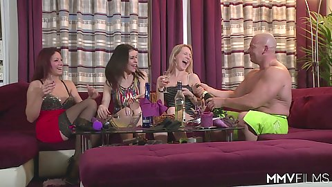 Group kinky party with Bebiii Kitty and Arianna and Natalie Hot
