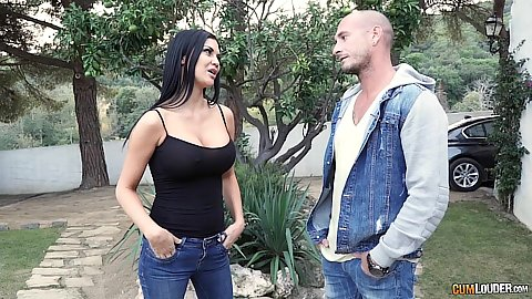 Jasmine Jae wants to be friends with benefits