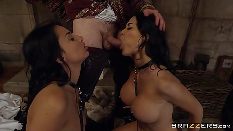 Dick sucking cosplay parody with Anissa Kate and Jasmine Jae