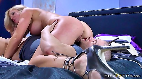Intimate milf Parker Swayze in 69 and dick riding