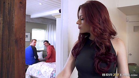 redhead milf Jessica Ryan is looking for some sex experience