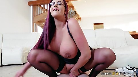 Huge knockers mom cougar Emma Butt sitting on dick and face