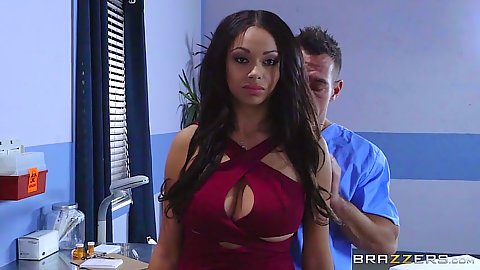 Stunning ebony babe Bethany Benz in doctor adventure blowjbo