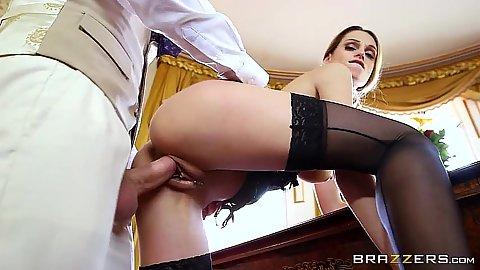 Class babe Erica Fontes in upper class estates sex