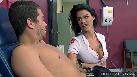 Sexy babe doctor Peta Jensen going for cock