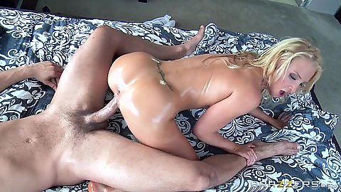 Reverse cowgirl oil sloppy fuck with dirty masseur Alix Lynx