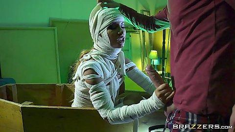 Scifi milf mummy suck Elicia Solis
