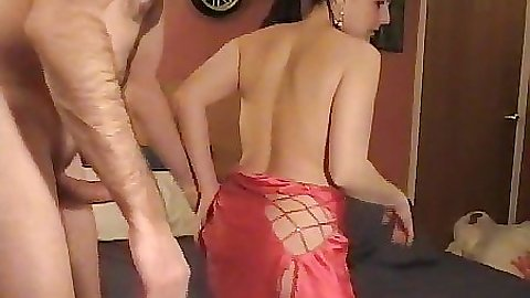 Milf pounded on her family bed by the husband