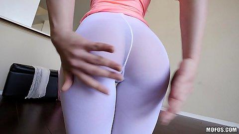 Yoga pants Sara Luvv doing some stretching