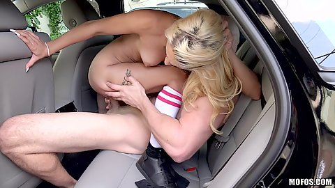 Uma Jolie manages to get laid in a crammed backseat seat after shoplifting scandal