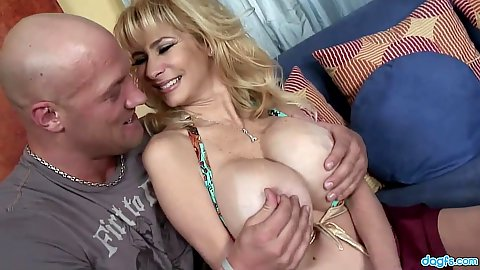 Feisty milf Tara with large breasts get touched and gives oral
