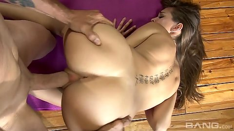 Doggy style slamming 18 yo yoga slut Riley Reid