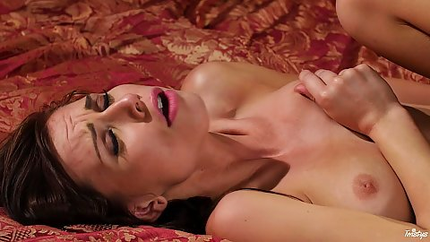 Temping natural breasts Aidra Fox getting eaten then pumped