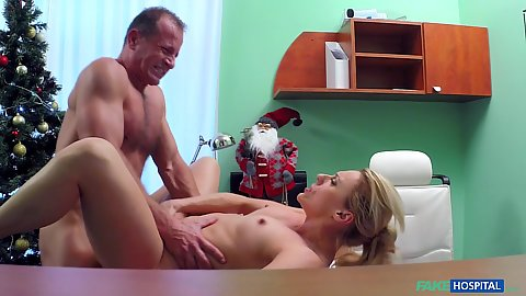 Christmas doctor fuck with honey Brittany