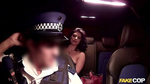 Police officer has a nice brunette Lucia in his car