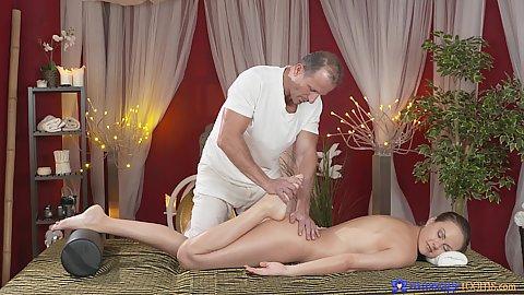 Dreamy massage with nice feet Tina