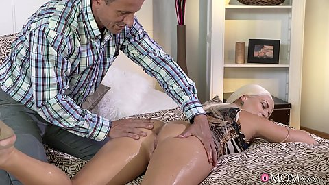 Oiled butt milf Blanche loving the touch