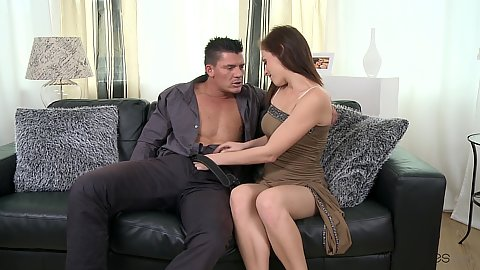 Seductive fully clothed Honey B getting to Thomass cock