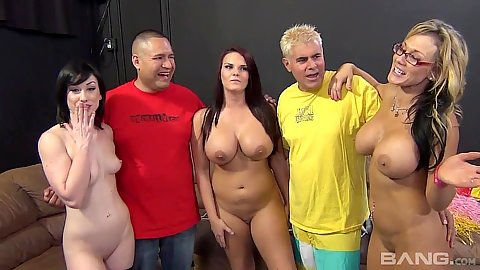 Blowjob winner milfs Nikki Sexx and Mackenzee Pierce and Jennifer White try deep throat