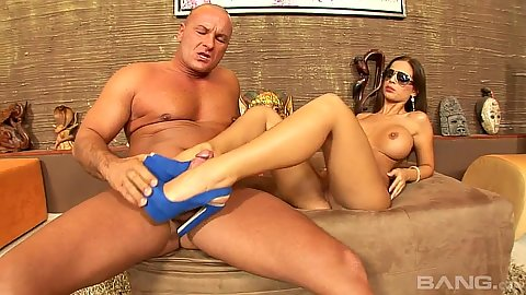 Sexy feet milf with big boobs and sun glasses Black Angelica