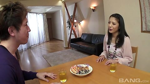Kana Aizawa having dinner then makes out with guy