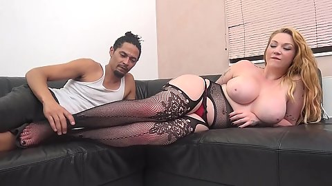 Lingerie girl Harmony Reigns  gets eaten out