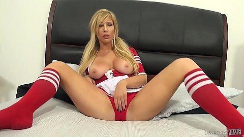 Blonde masturbation with Tasha Reign sporting nice milk bags