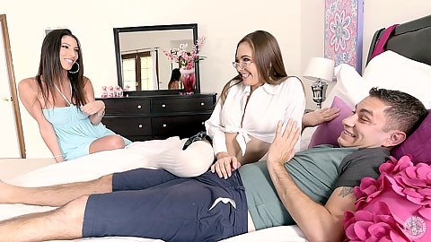 Dava Foxx and Sky West in stepmom showing you how