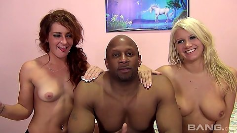 Big boobs and small boobs Savannah Fox and Laela Pryce attack one bbc