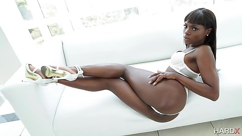 Bras and panties ebony babe Ana Foxxx looking spicy