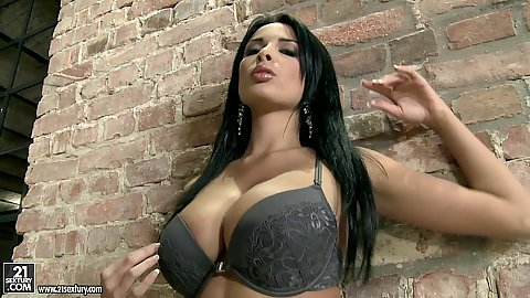 Big boobs bras and panties Anissa Kate is one super hot queen