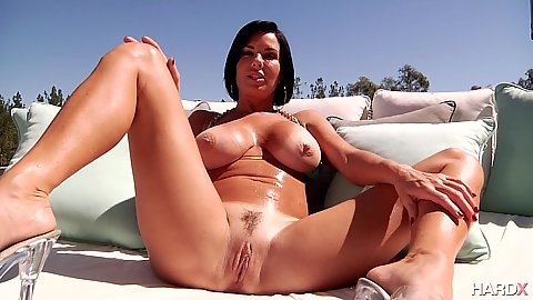 Big boobies and oiled milf Veronica Avluv is soaked from squirting