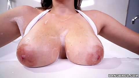 Showering and soapy big boobies Melanie Hicks getting herself clean